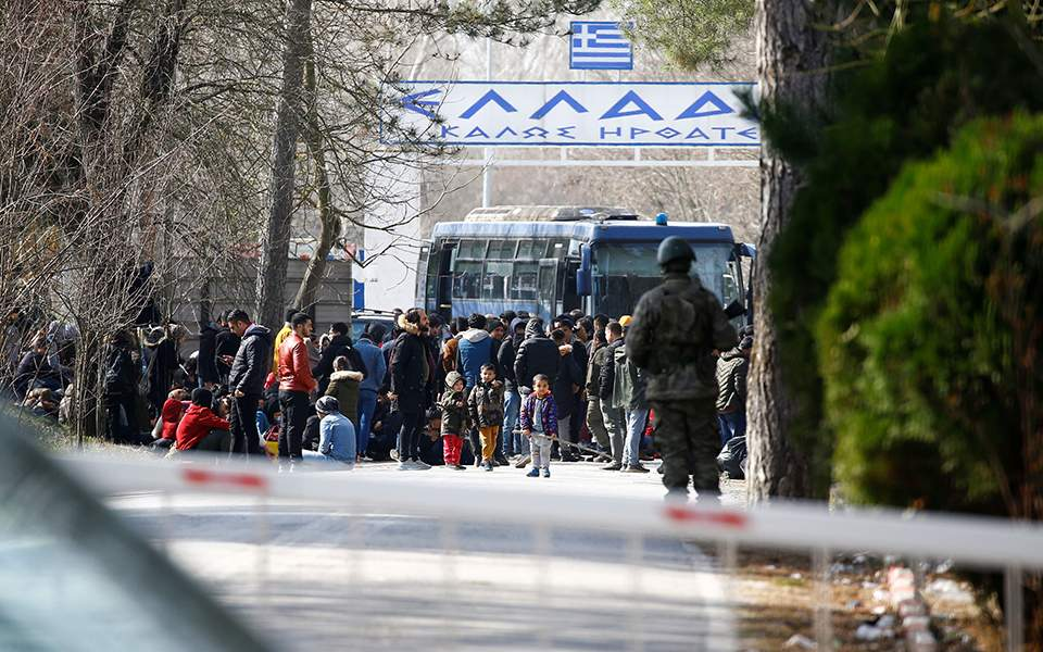 2020-02-28t113143z_1826136475_rc2n9f9b0wny_rtrmadp_5_syria-security-turkey-migrants