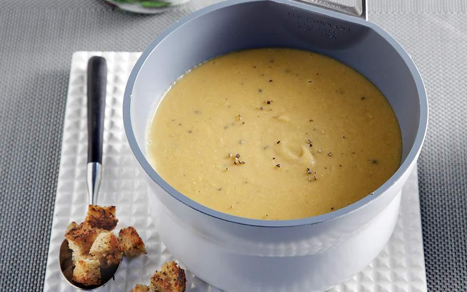 65110109_0761_grigora_fakes-soupa-veloute