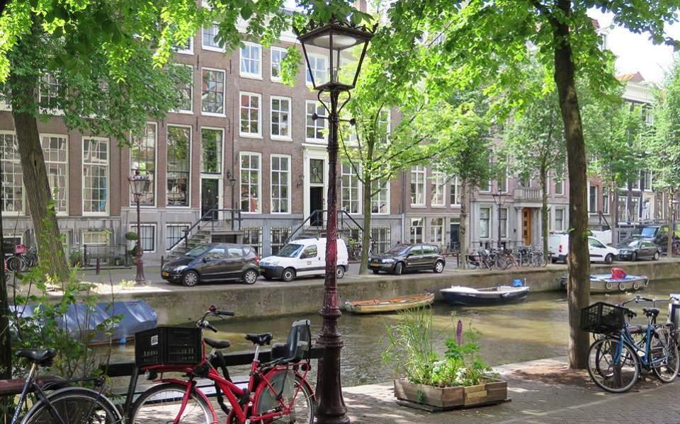 Απέτυχε η «ανοσία της αγέλης» στην Ολλανδία