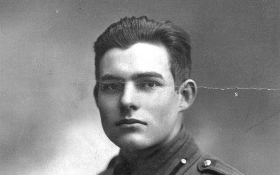 06a-photo_hemingway_young_uniform