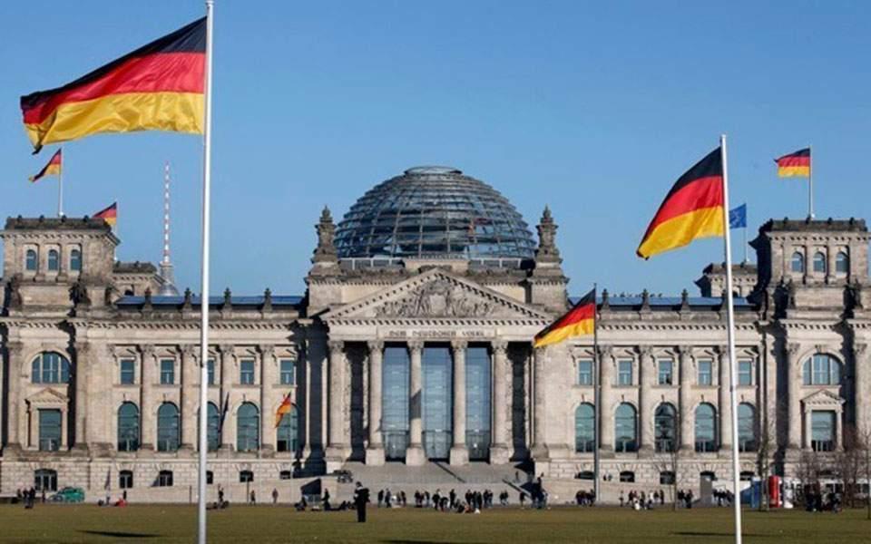 Ανοιγμα συνόρων σχεδιάζει η γερμανική κυβέρνηση