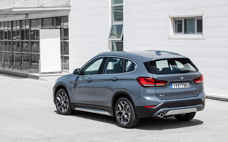 p90388842_highres_the-new-bmw-x1-xdriv