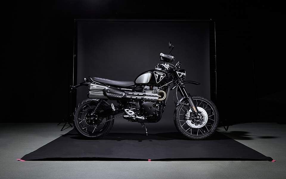 triumph-scrambler-1200-bond-edition-1