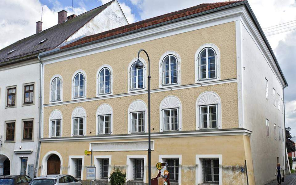 Στη μετατροπή του πατρικού του Χίτλερ σε αστυνομικό σταθμό προχωρά η Αυστρία