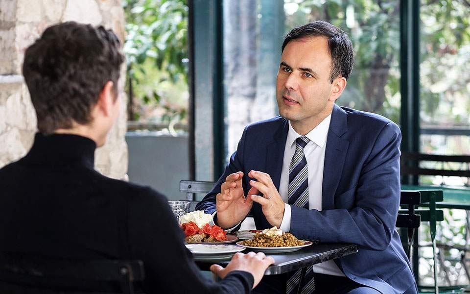 Ανάλυση: Εξι σχόλια για τη συνέντευξη του Αλέξη Πατέλη