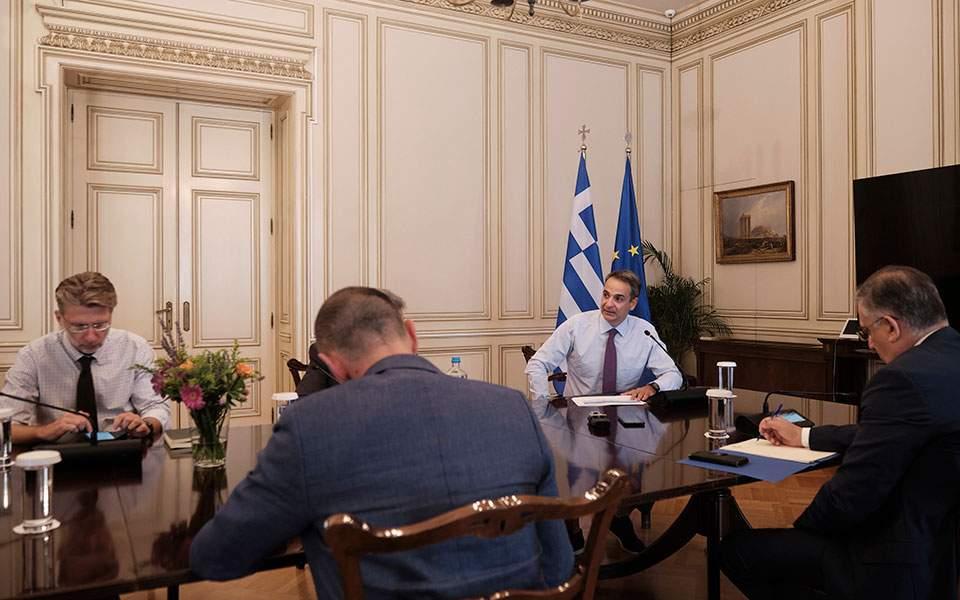Κορωνοϊός: Αυστηρούς ελέγχους παντού ζήτησε ο πρωθυπουργός