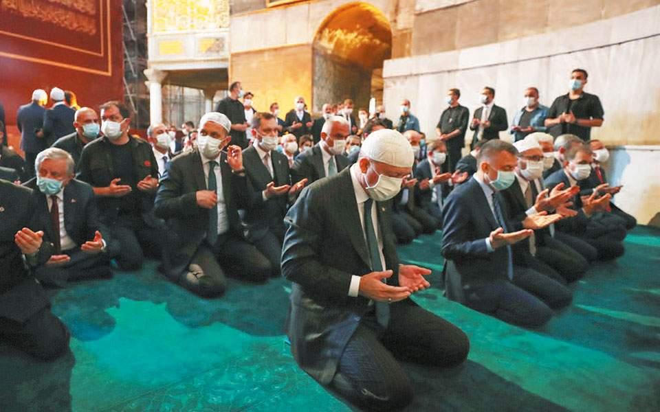 Καθολική καταδίκη και κατακραυγή από τον πολιτικό κόσμο για τη φιέστα Ερντογάν