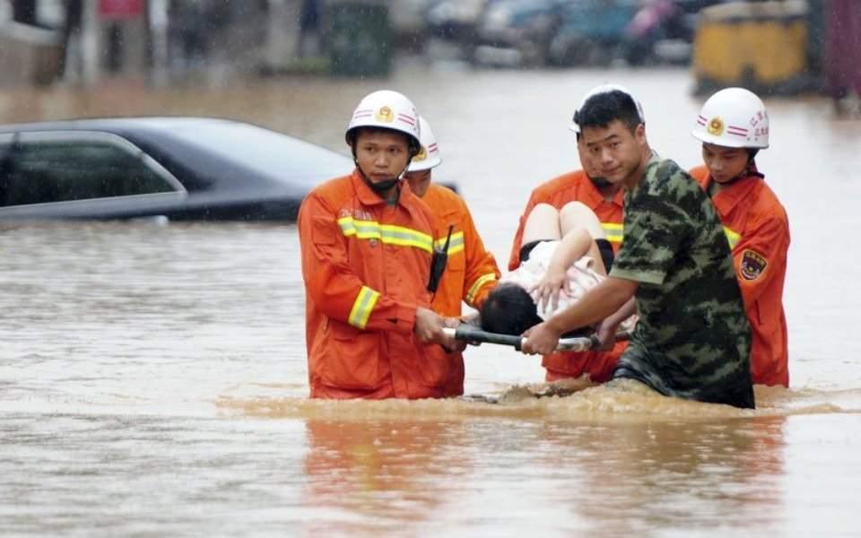 Μετά τον κορωνοϊό η Ουχάν απειλείται από πλημμύρες - Τουλάχιστον 140 νεκροί στη Κίνα