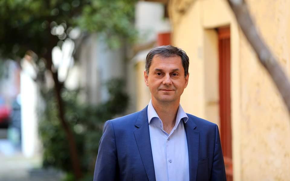 Χ. Θεοχάρης στο Sky News: Ευπρόσδεκτοι στην Ελλάδα οι Βρετανοί τουρίστες