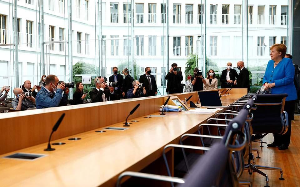 Μέρκελ: Θα στηρίξουμε τους Ελληνες όπου έχουν δίκιο