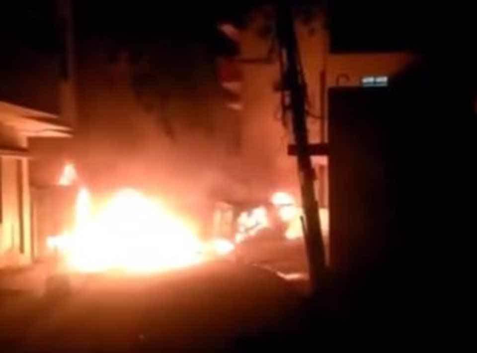 Ινδία: Τρεις νεκροί σε επεισόδια που ξέσπασαν λόγω ανάρτησης στο Facebook (Βίντεο)