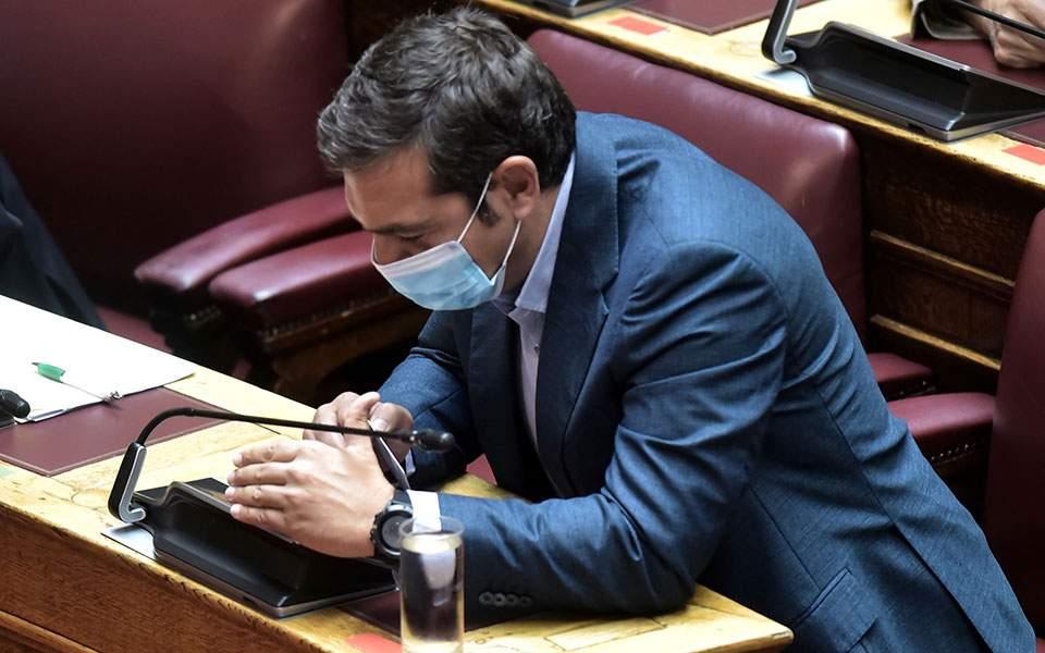 Ανακατεύει την εσωκομματική τράπουλα ο Τσίπρας