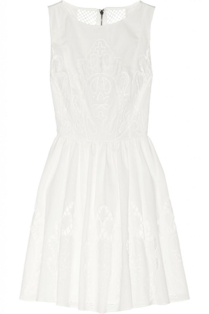 92cdd55b101b Το μικρό λευκό φόρεμα σε βγάζει ασπροπρόσωπη! | Μόδα | Η ΚΑΘΗΜΕΡΙΝΗ