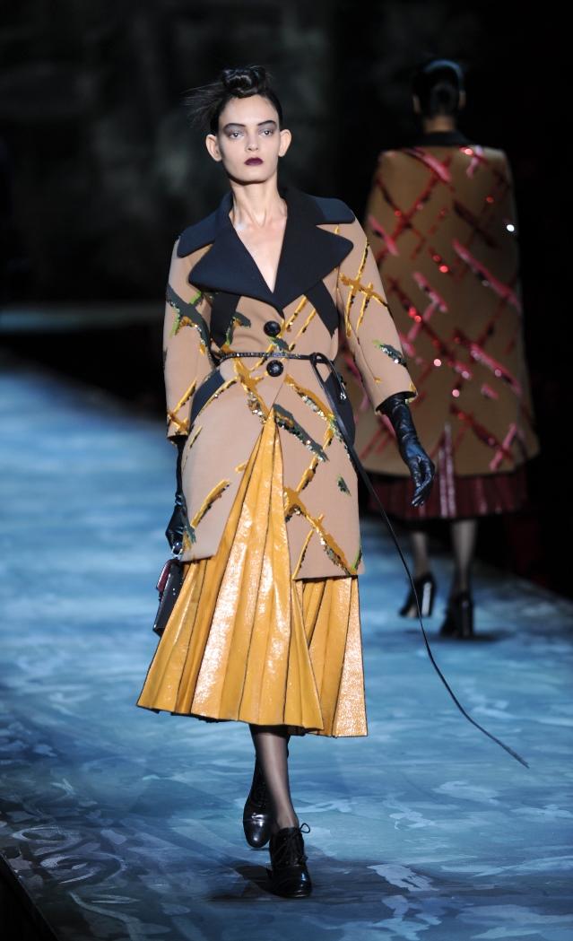 New York Fashion Week  Οι νέες τάσεις που λάνσαραν οι σχεδιαστές ... 3dd77019402