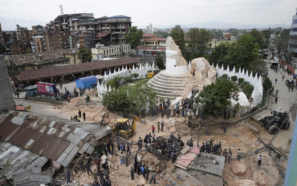 Two Greeks in quake-stricken Nepal reported safe