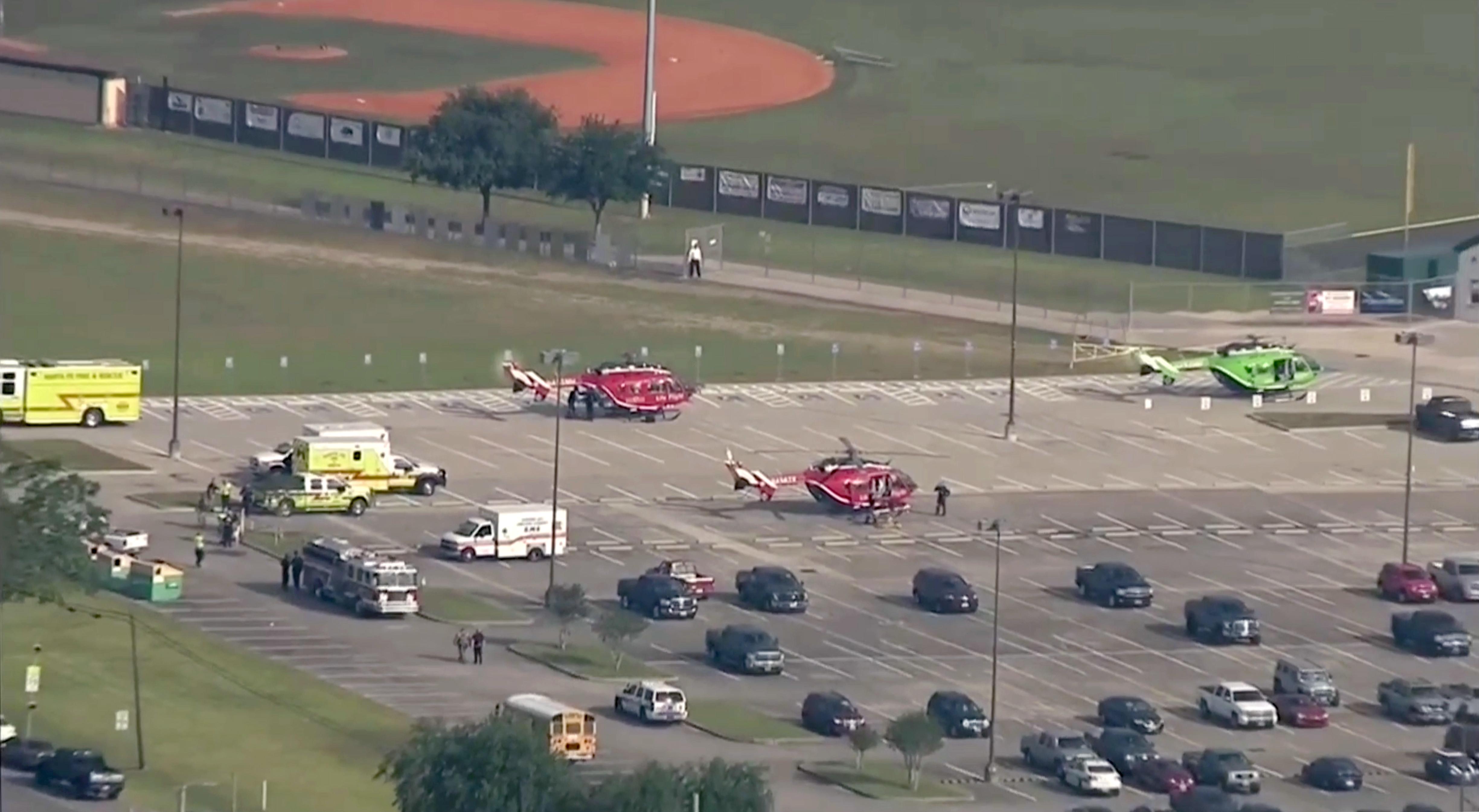 Τουλάχιστον οκτώ νεκροί από πυροβολισμούς σε σχολείο του Τέξας