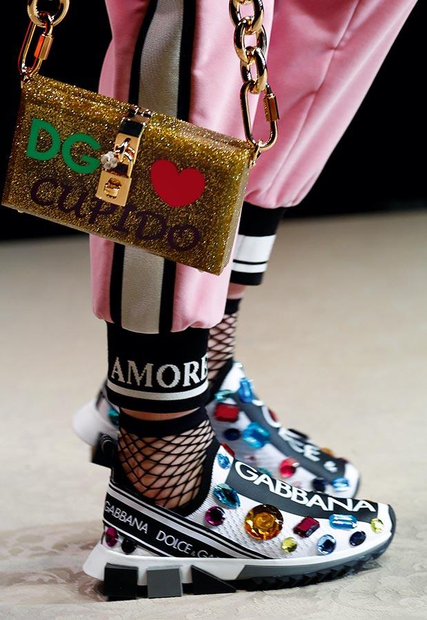 23d7204bbb Το νέο κλασικό  Αθλητικά της Dolce   Gabbana. © REUTERS Alessandro Garofalo
