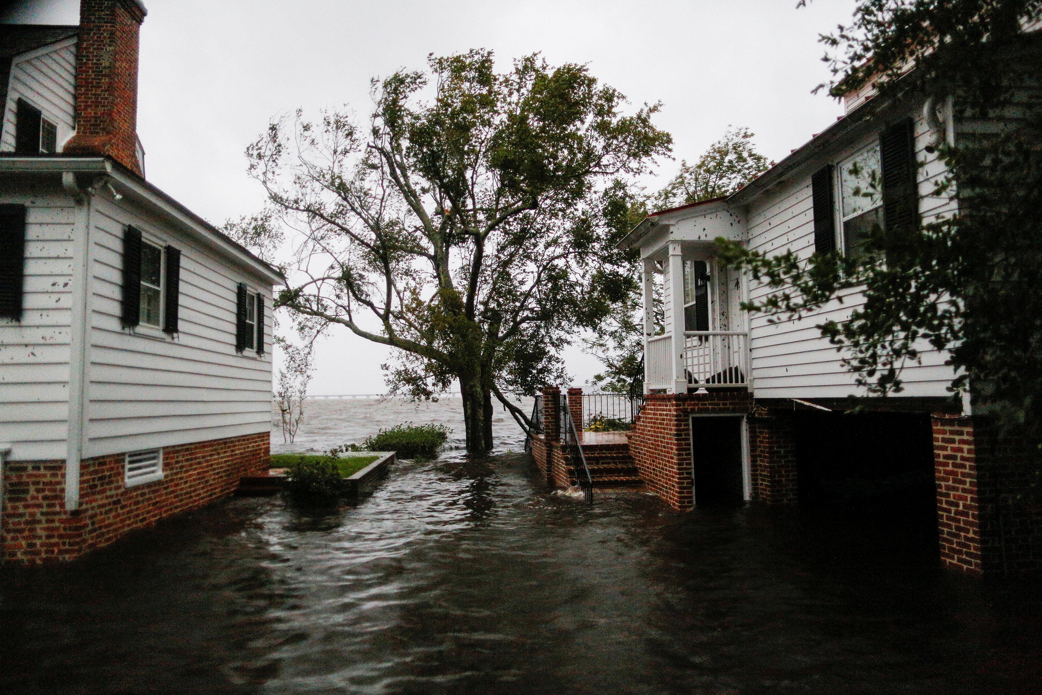 ΗΠΑ: Εξασθένιση του κυκλώνα Φλόρενς πάνω από τη Νότια Καρολίνα - Στους πέντε οι νεκροί