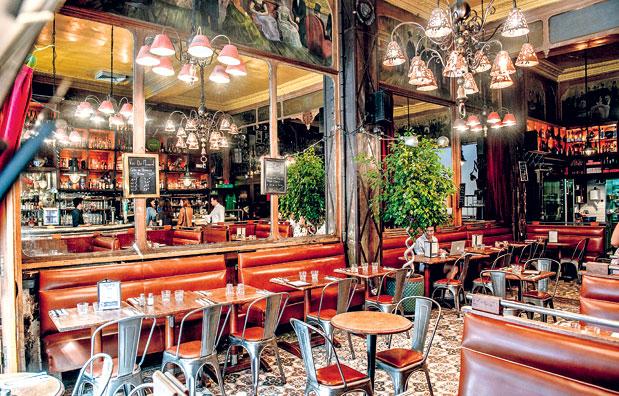 εστιατόριο που χρονολογείται στο σκοτεινό Άμστερνταμ