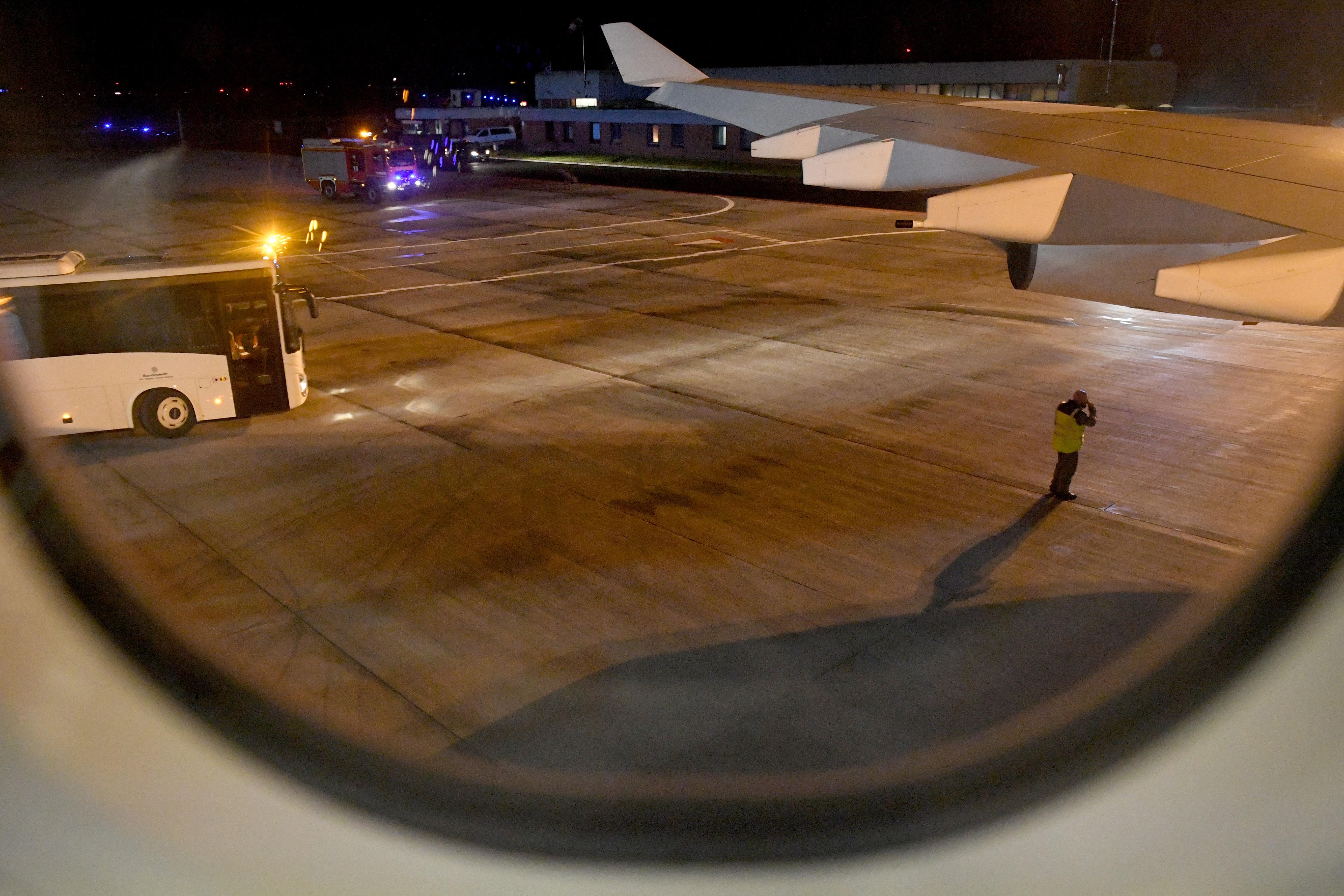 Αναγκαστική προσγείωση για το αεροσκάφος που μετέφερε τη Μέρκελ