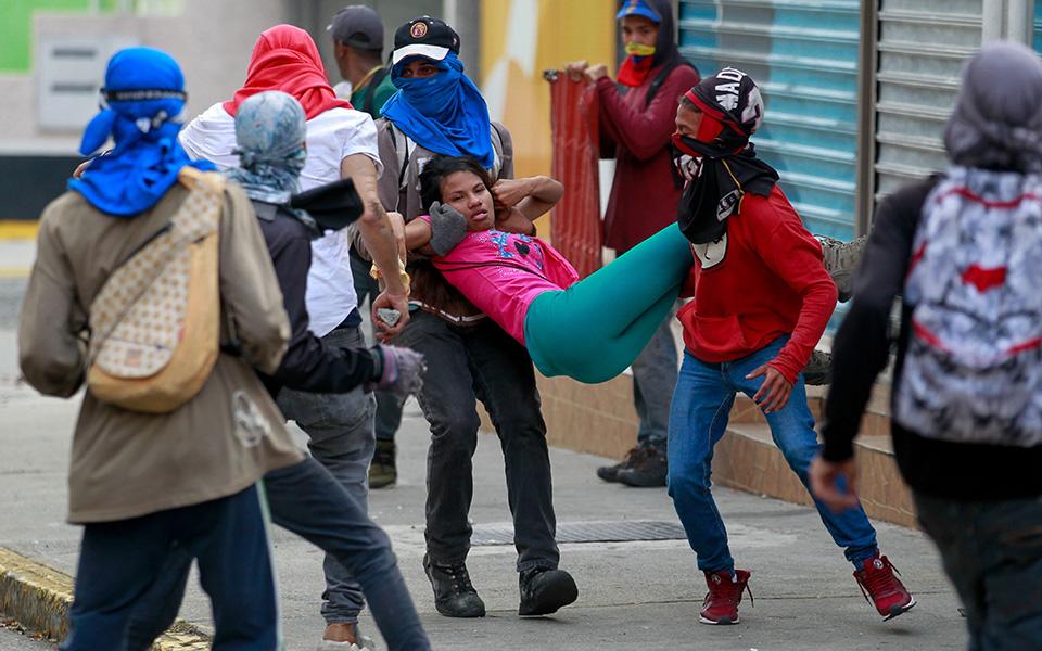 Βενεζουέλα: Κοινωνικός αναβρασμός και τουλάχιστον 13 νεκροί στις διαδηλώσεις