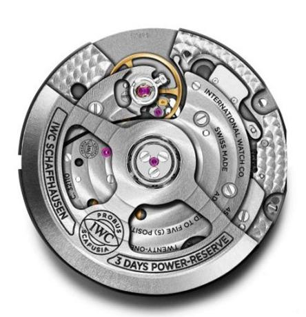 5bf9aa04a8 Οι τιμές των νέων Pilot s Watch Automatic Spitfire είναι 5.050 € για την  έκδοση από ατσάλι (ref. IW326801) και 5.700 € για την έκδοση από μπρούντζο  (ref.