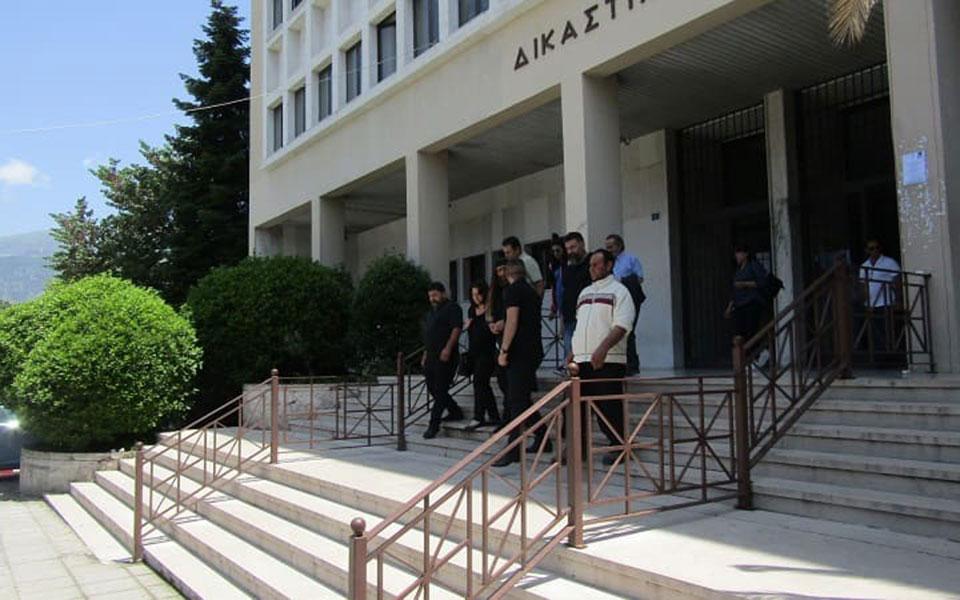 dikastiko_aste3 Λιποθύμισε μάρτυρας στη δίκη Βαγγ. Γιακουμάκη