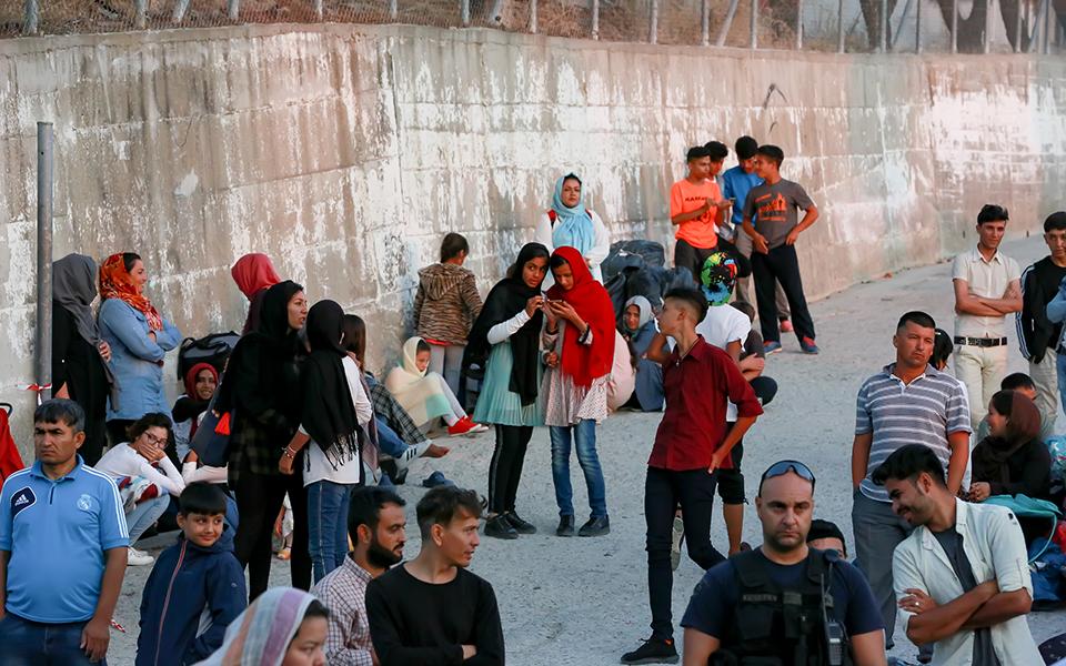 Μυτιλήνη: Μετακίνηση 1.500 προσφύγων και μεταναστών σε δομές της Βόρειας Ελλάδας