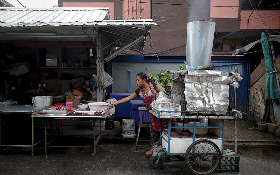 Κατεδαφίζεται η μεγαλύτερη παραγκούπολη της Μπανγκόκ (φωτογραφίες) | Κόσμος