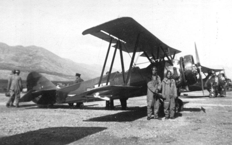 Κων/νος Χατζηλάκος, ο 99χρονος θρυλικός πιλότος του Β΄Παγκοσμίου Πολέμου: «Να μη ξεχνάμε, να τιμούμε, να επαγρυπνούμε»