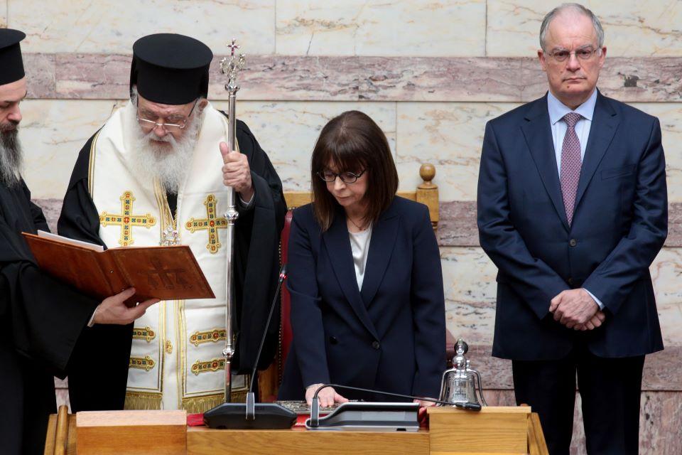 Oρκίστηκε Πρόεδρος της Δημοκρατίας η Αικατερίνη Σακελλαροπούλου | ΠΟΛΙΤΙΚΗ