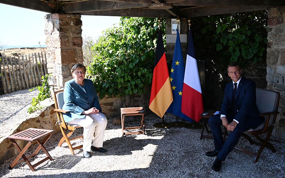 Μήνυμα Μέρκελ - Μακρόν για Ανατ. Μεσόγειο: Σεβασμός στην κυριαρχία των κρατών της Ε.Ε.